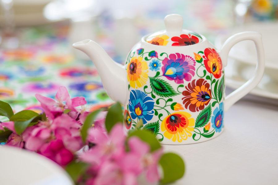 Dzbanek w kolorowe łowickie kwiaty