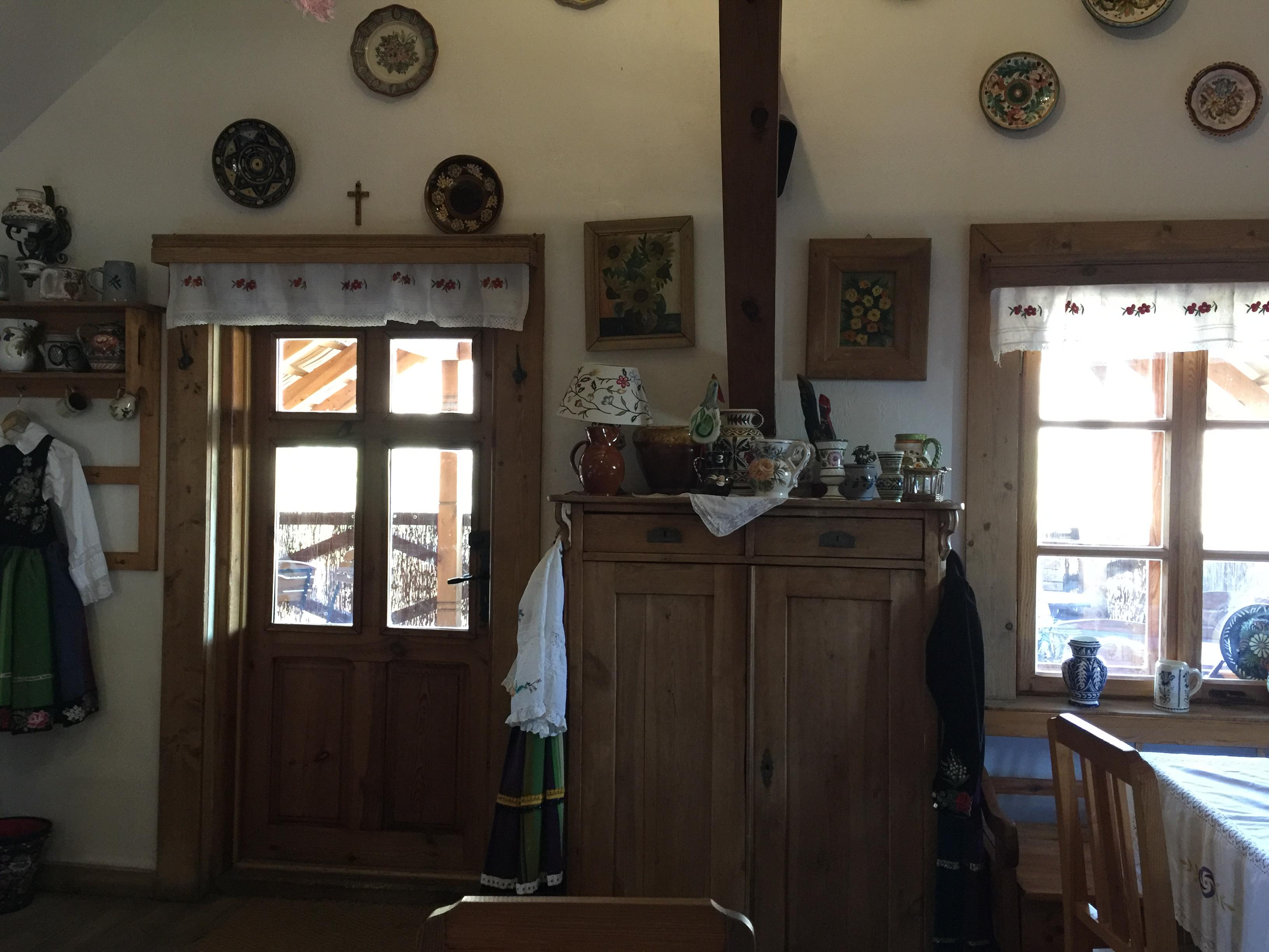 Podłowicka restauracja Oberża pod Złotym Prosiakiem