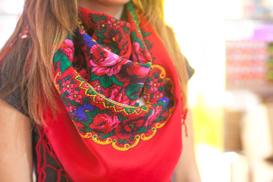 Chusta ludowa góralska w folkowe kwiaty 120x120cm - czerwona wzór góralski