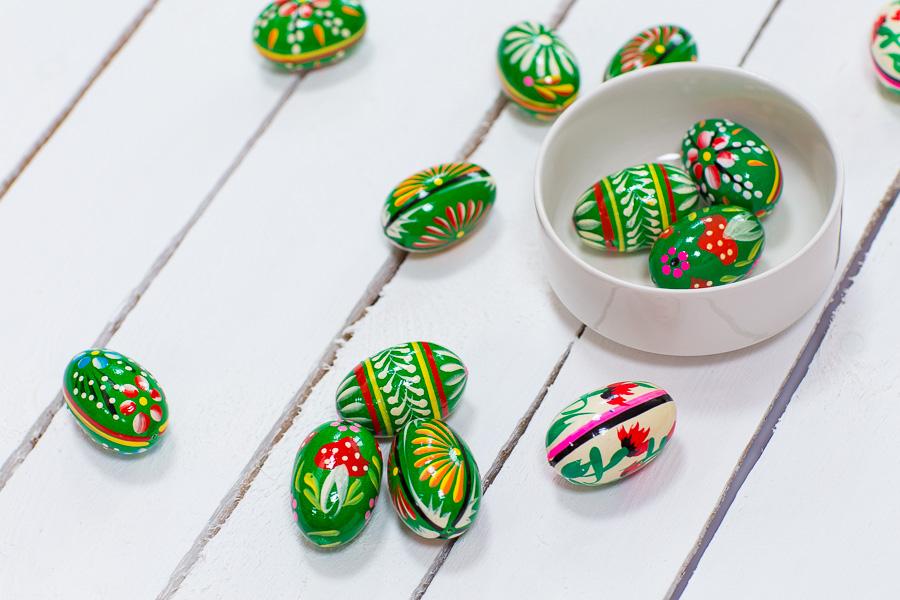 Drewniane jajka ręcznie malowane