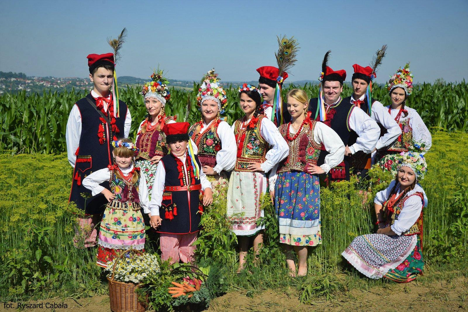 Krakowiacy w krakowskim stroju ludowym