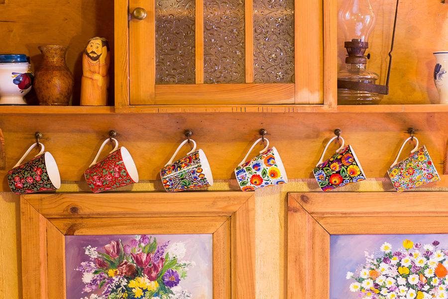 Folkowy wystrój Twojej kuchni - kubki ludowe