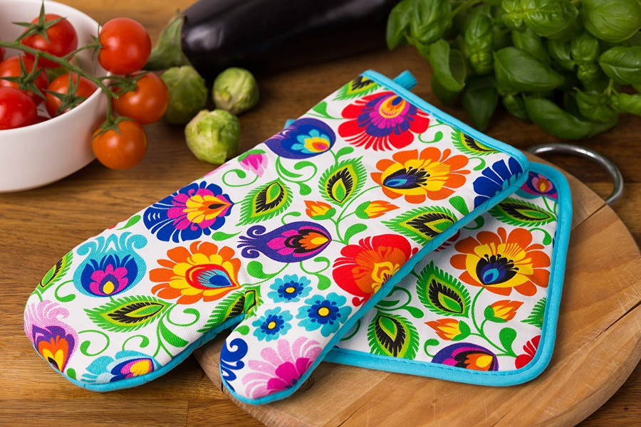 Folkowe dodatki do Twojej kuchni - rękawica kuchenna