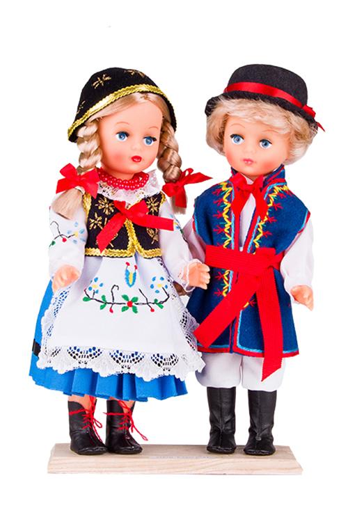 Lalki ubrane w kaszubskie stroje ludowe