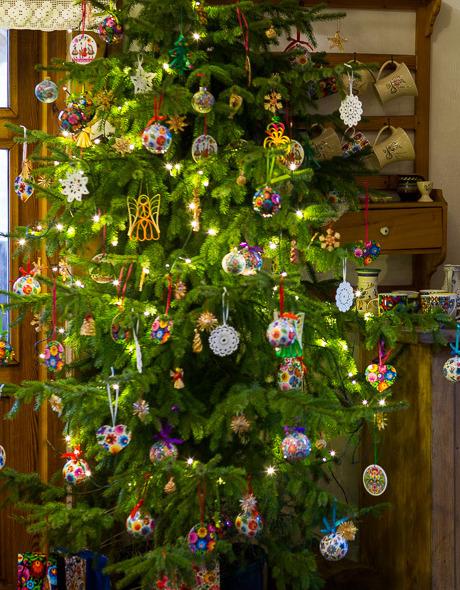 Dekoracje świąteczne ludowe na choince