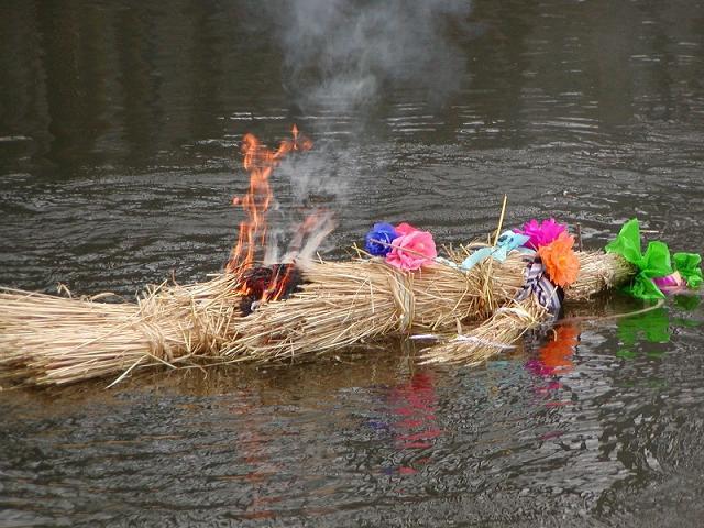 Powitanie wiosny 21 marca kojarzy nam się z ludowymi zwyczajami topienia kukły.