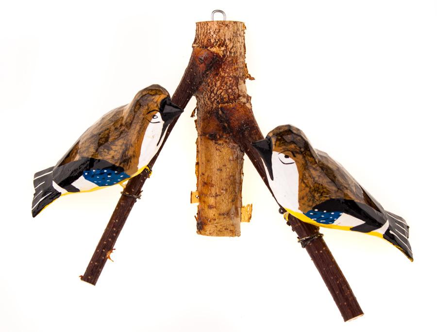 Para folk ptaszków na gałęzi