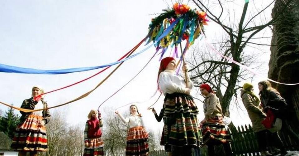 Gaik to ludowy zwyczaj powitania wiosny.