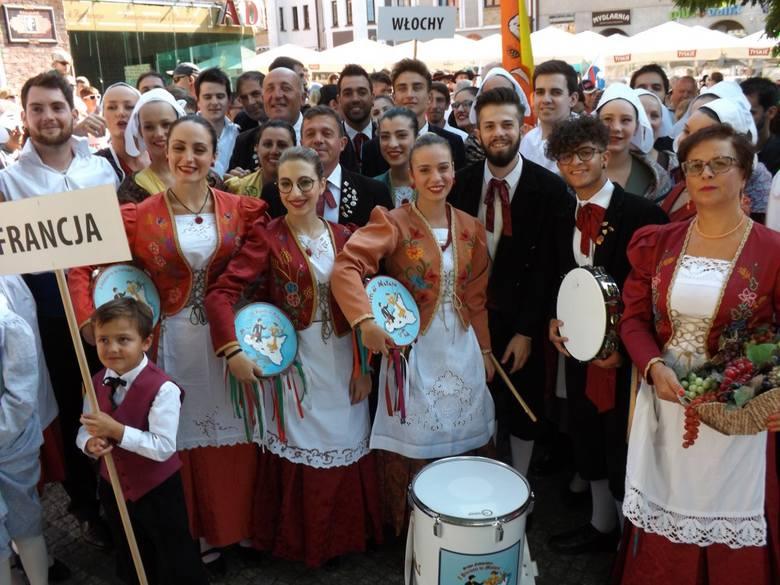 Festiwale folklorystyczne odbywają się w wielu miastach Polski