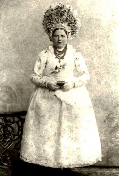 Bamberka w stroju świątecznym, początek XX wieku (panna)