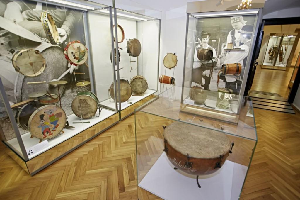 Muzeum gromadzi instrumenty z wielu zakątków Polski i nie tylko