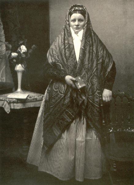 """Bamberka w tzw. """"chuście tureckiej"""", początek XX wieku"""