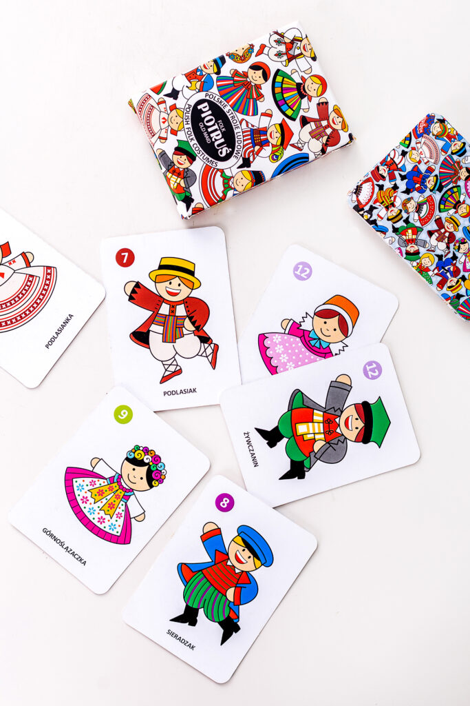 Karty Piotruś - drobny prezent, który uczy i bawi