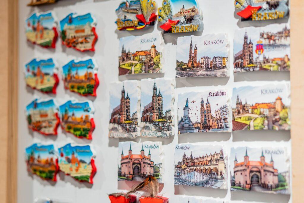 Pamiątki z Krakowa  - magnesy ceramiczne z zabytkami Krakowa